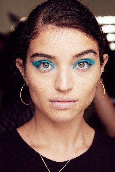 Макияж для карих, голубых, зеленых глаз с нависшим веком. Как правильно накрасить глаза с нависшими веками, как рисовать стрелки?