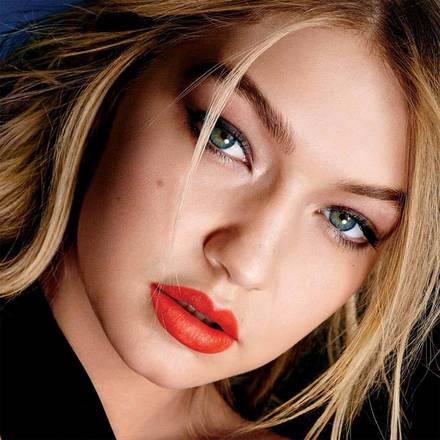 Gigi-Hadid-Lip-Color-Sensational-Vivid-Matte-Liquid-1x1